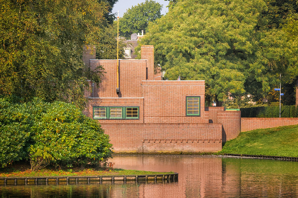 Pomphuis Hilversum by architect Dudok